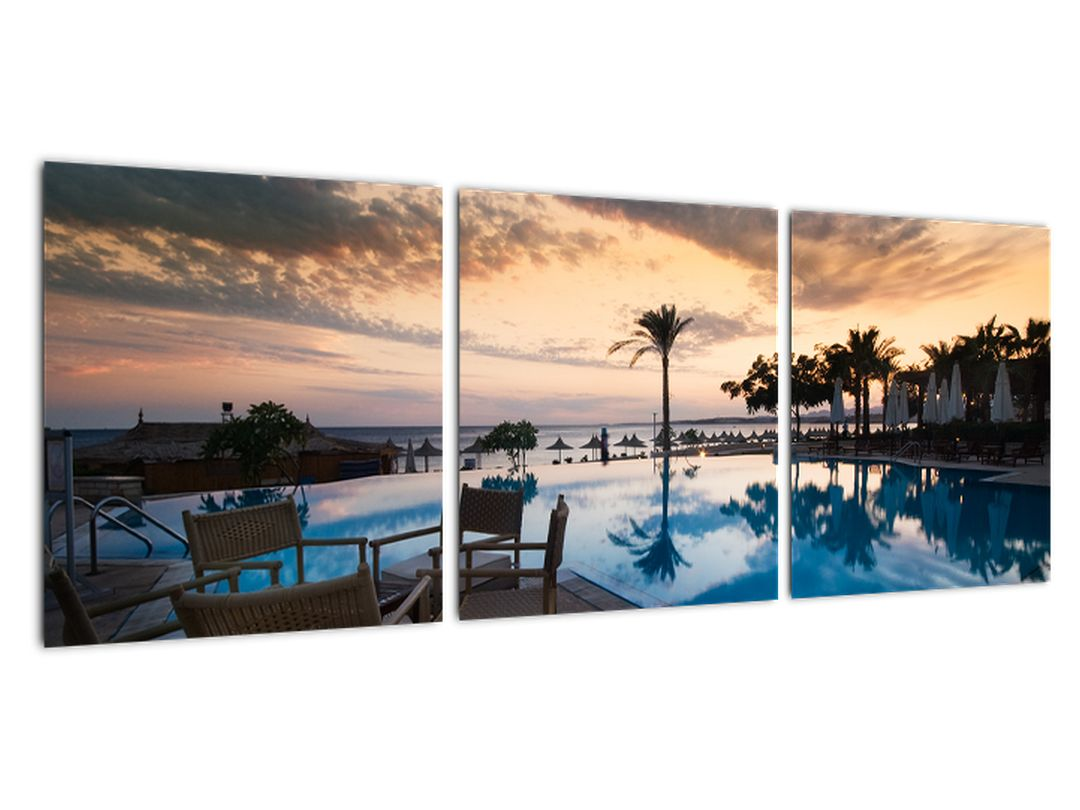 Slika - bazen v Sredozemlju