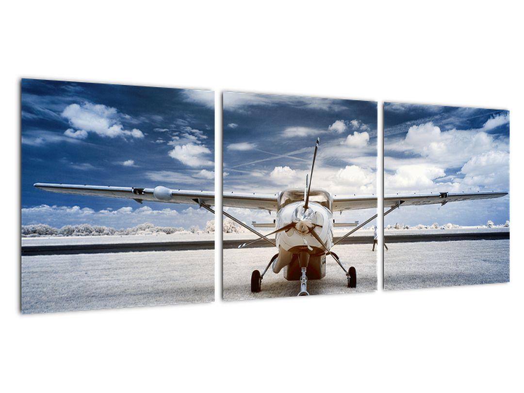Slika - letala pred vzletom